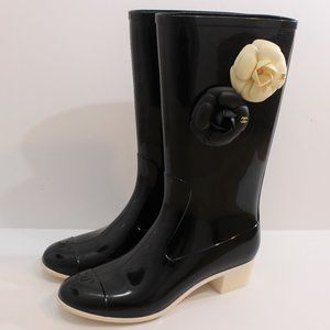 CHANEL Rain Boots with Flowers and Heel 39